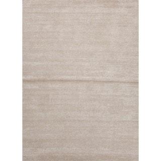 Hand-loomed Beige Wool/ Silk Rug (8' x 10')