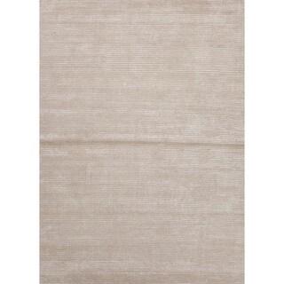 Hand-loomed Beige Wool/ Silk Rug (9' x 12')