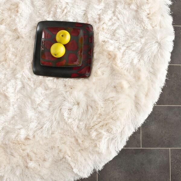 Safavieh Handmade Silken Glam Paris Shag Ivory Rug (7' Round)
