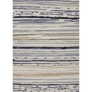 Abstract Gray/ Black Indoor/ Outdoor Rug (5' x 7'6)