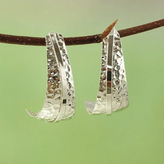Handmade Silvertone Hammered Ribbon Earrings (Mexico) - Silver