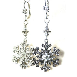 Palmtree Gems 'Jessica' Snowflake Dangle Earrings