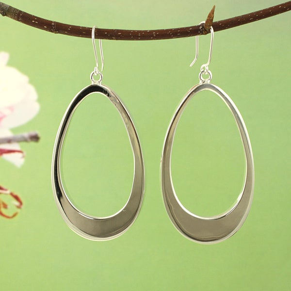 Handcrafted Silvertone Large Teardrop Dangle Earrings (Mexico)