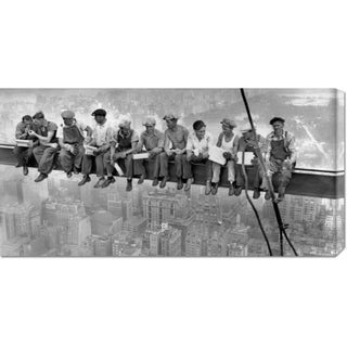 Global Gallery Charles C. Ebbets 'New York Construction Workers Lunching on a Crossbeam, 1932' Stretched Canvas