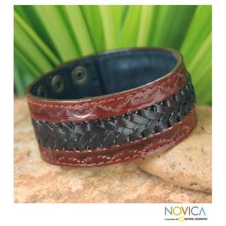 Handmade Men's Leather 'Chiang Rai Trek' Bracelet (Thailand)