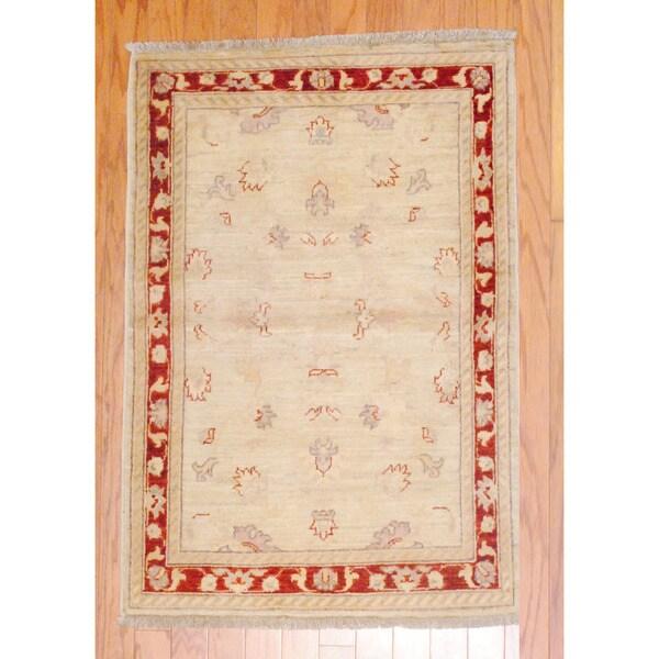 Afghan Hand-knotted Vegetable Dye Beige/ Burgundy Wool Rug (2'9 x 4')