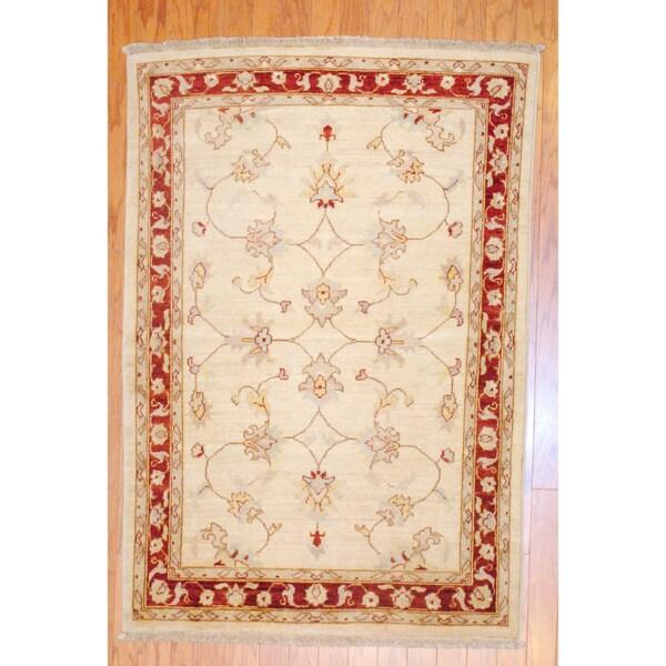 Afghan Hand-knotted Vegetable Dye Ivory/ Burgundy Wool Rug (3'6 x 5'1)