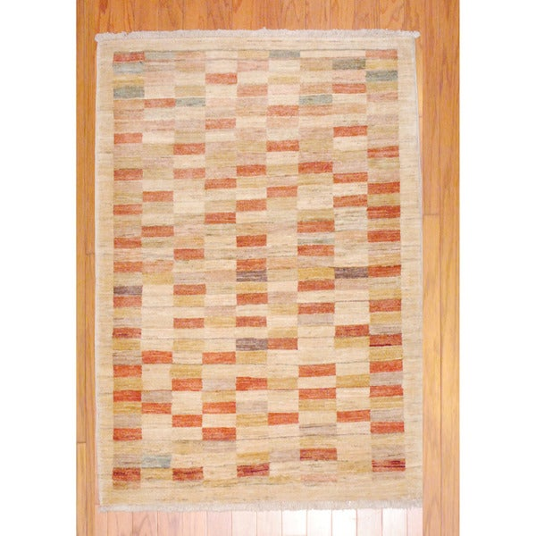 Afghan Hand-knotted Vegetable Dye Beige/ Burgundy Wool Rug (3'3 x 4'9)