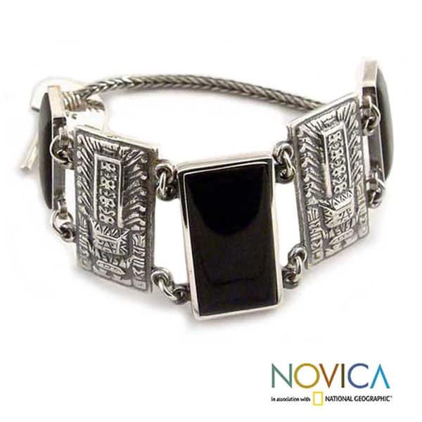 Handmade Sterling Silver 'Chavin Heritage' Obsidian Bracelet (Peru)