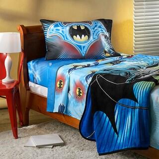 shop batman 39 lightning swoop 39 twin sheet and blanket set free shipping today. Black Bedroom Furniture Sets. Home Design Ideas