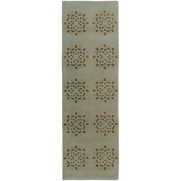 Hand-tufted Queen Wool Geometric Medallion Rug (2' x 7')