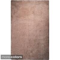 Hand-woven Portales Soft Plush Shag Area Rug (2' x 3')