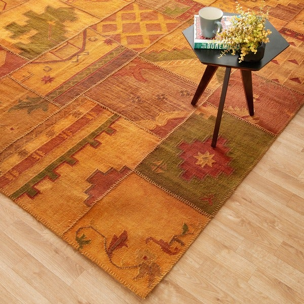 Hand-woven Ava Wool Gold Patchwork Rug