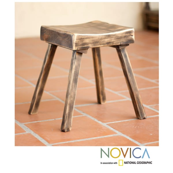 Handcrafted Pinewood 'Ranch House Brown' Stool (Mexico)