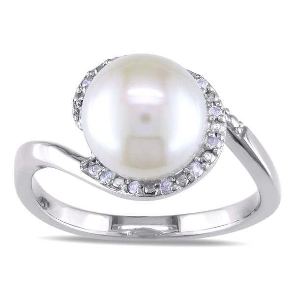 Miadora 10k White Gold Cultured Freshwater Pearl and 1/10ct TDW Diamond Ring