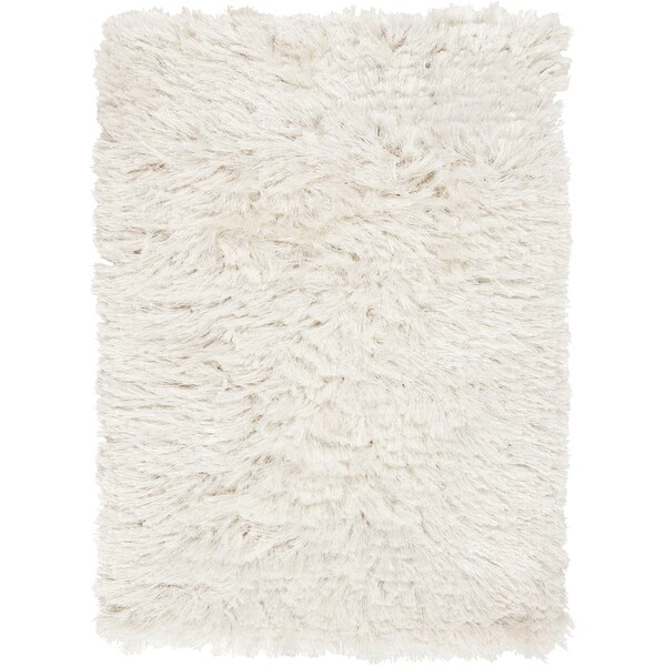 Hand-woven Ternia Winter White Area Rug (5' x 8')