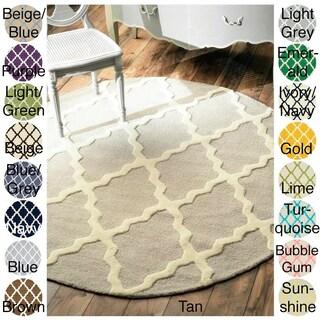 nuLOOM Handmade Alexa Moroccan Trellis Wool Area Rug (6' Round) - 6' Round (More options available)