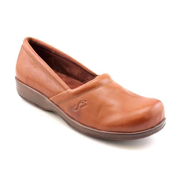 Softwalk Women's 'Adora' Leather Dress Shoes - Narrow (Size 10)