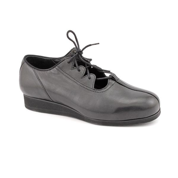 Drew Women's 'Nicole' Leather Casual Shoes - Narrow