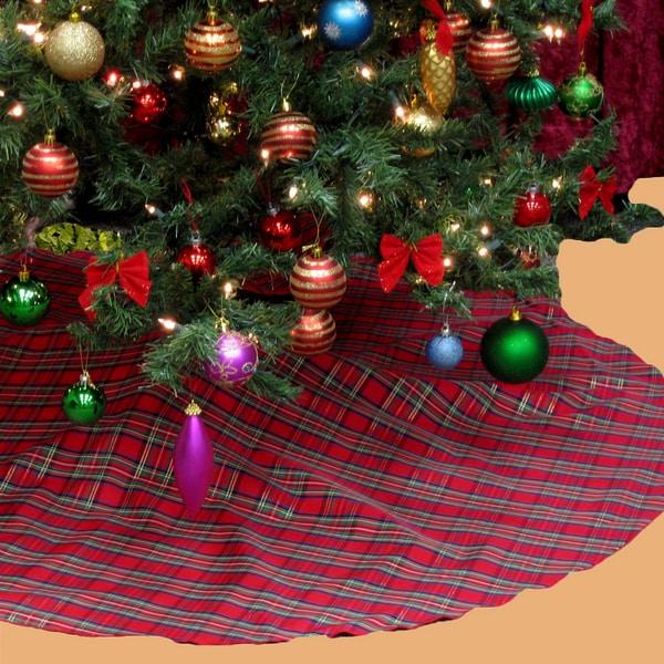 Plaid Holiday Theme Christmas Tree Skirt