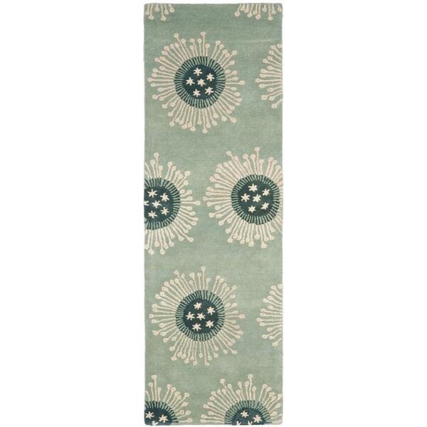 Safavieh Handmade Celebrations Light Blue Grey N. Z. Wool Rug (2'6 x 12') - 2'6 x 12'