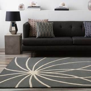Hand-tufted Wanganui Cement Floral Wool Rug (9' x 12')