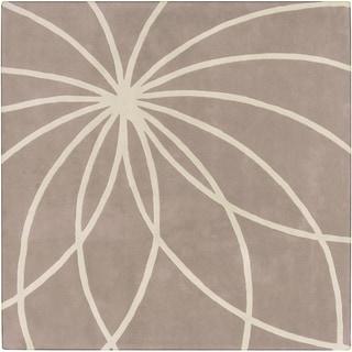 Hand-tufted Palmerston Safari Tan Floral Wool Rug (9' x 9')