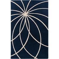 Hand-tufted Wellington Dark Blue Floral Wool Area Rug - 6' x 9'