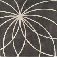 Hand-tufted Rotura Charcoal Floral Wool Area Rug (8' x 8')