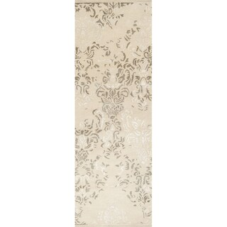 Hand-tufted Solara Antique White Distressed Damask Wool Rug (2'6 x 8')
