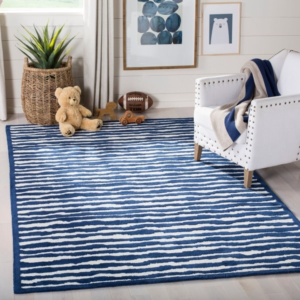 Safavieh Handmade Children's Stripes Ivory/ Blue Wool Rug - 8' x 10'