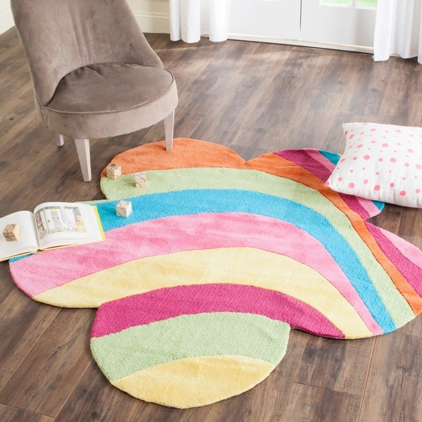 Safavieh Handmade Children's Rainbow Leaf New Zealand Polyester Rug