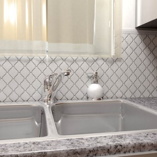 SomerTile 9.875x11.125-inch Casablanca Glossy White Porcelain Mosaic Floor and Wall Tile (10 tiles/7.6 sqft.)