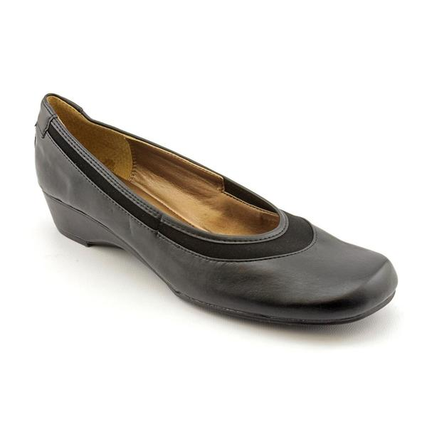 Soft Style by Hush Puppies Women's 'Reagan' Faux Leather Casual Shoes - Narrow (Size 9.5)
