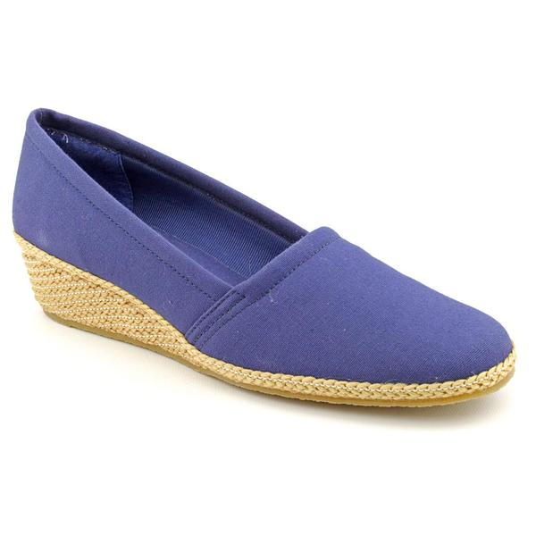 Easy Street Women's 'Sue' Canvas Casual Shoes - Narrow (Size 11)