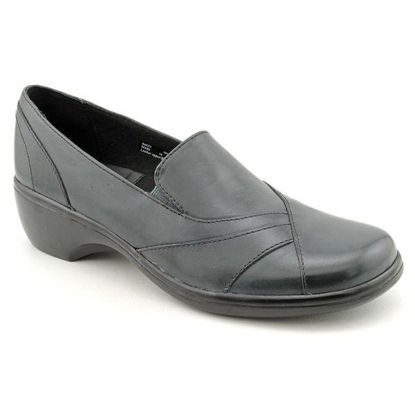 Shop Clarks Women s  Blackberry  Leather Dress Shoes - Narrow (Size ... f38461a17b51