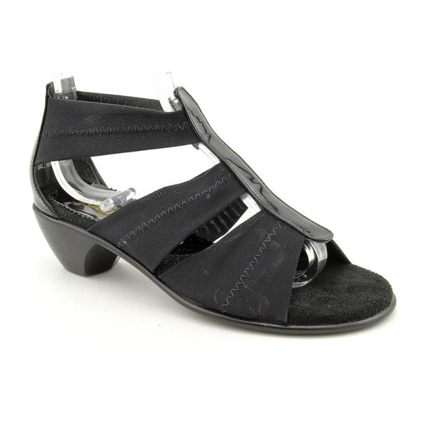 California Magdesians Women's '33771' Leather Sandals - Wide (Size 6)