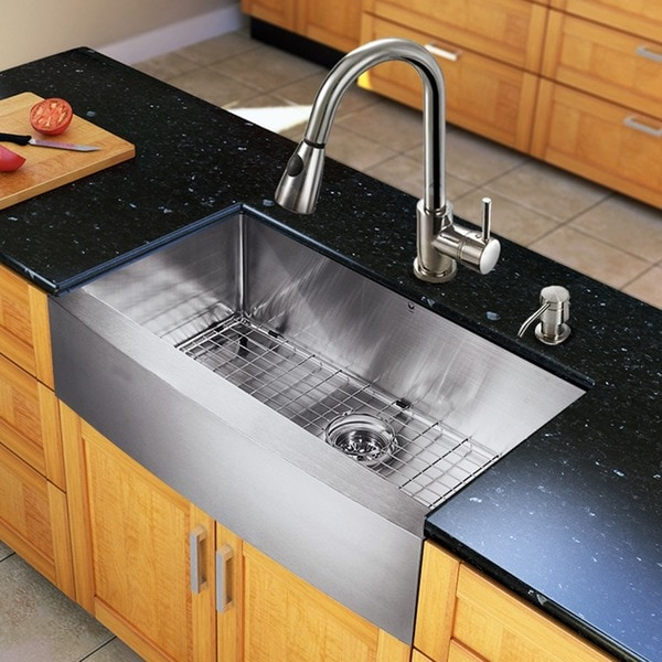 "VIGO All-In-One 33"" Bedford Stainless Steel Farmhouse Kitchen Sink Set With Weston Faucet"