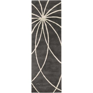 Hand-tufted Beaumont Iron Ore Floral Wool Rug (3' x 12')
