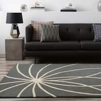 Hand-tufted Beernem Dove Grey Floral Wool Area Rug - 4' x 6'