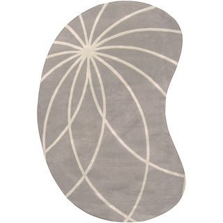 Hand-tufted Beernem Dove Grey Floral Wool Rug (6' x 9' Kidney)