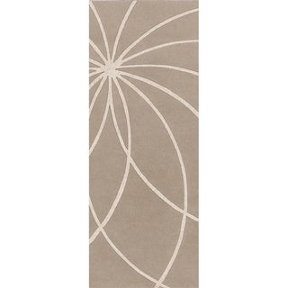 Safari Tan Hand-tufted Beerse Floral Wool Rug (3'x12')