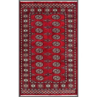 Herat Oriental Pakistani Hand-knotted Bokhara Red/ Ivory Wool Rug (3' x 4'11)