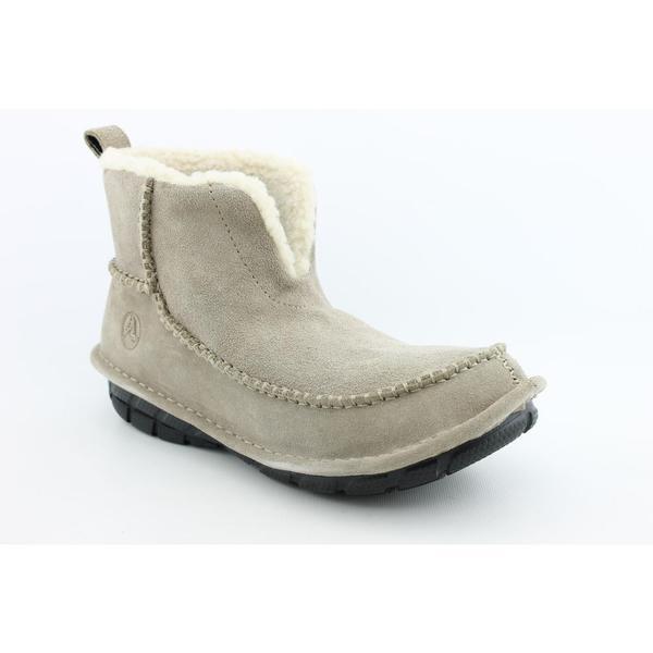 Crocs Women's 'Croccasin Boot' Regular Suede Boots (Size 7)