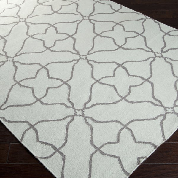 Hand-woven Subtle Geo Pale Jade Wool Rug (5' x 8')