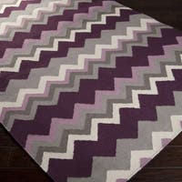 Hand-woven Chevron Wool Area Rug (5' x 8')