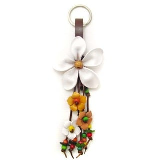 Handmade Beautiful White Daisy Leather Key Chain or Key Ring (Thailand)