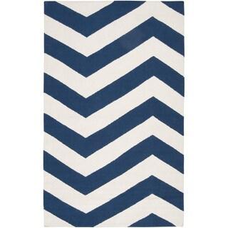 Hand-woven Navy Chevron Dark Blue Wool Rug (3'6 x 5'6)