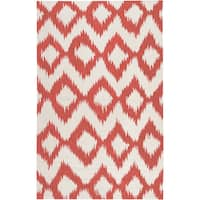 Hand-woven Quesnel Red Wool Area Rug - 3'6 x 5'6