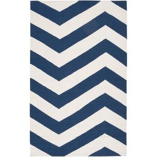 Hand-woven Navy Chevron Dark Blue Wool Rug (9' x 13')